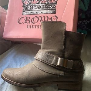Crown Vintage - Bailey Boot - Grey Size 10
